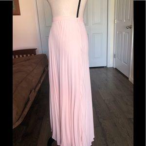 Banana Republic Skirts - BANANA REPUBLIC light pink pleated maxi skirt